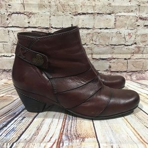 TAOS Red/Brown Ruched Leather High Heel Sz 38
